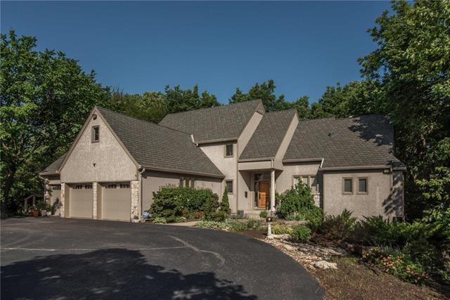 9310 State Line Road, Leawood, KS 66206 (#2105478) :: Kansas City Homes