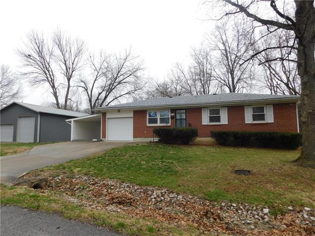 310 E Kentucky Street, Windsor, MO 65360 (#2105497) :: The Shannon Lyon Group - ReeceNichols