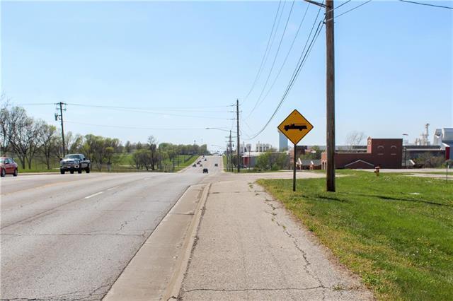 2450 W 16th Street, Sedalia, MO 65301 (#2105502) :: The Shannon Lyon Group - ReeceNichols