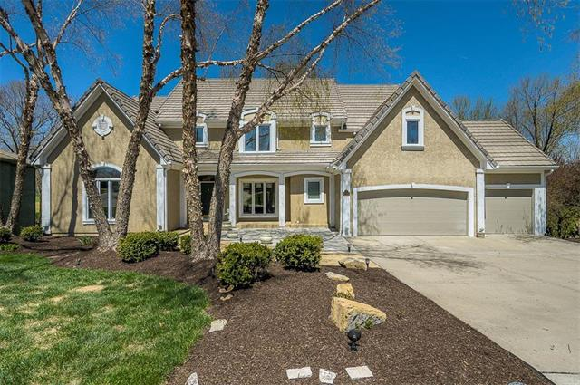 6118 NW 101st Terrace, Kansas City, MO 64154 (#2105611) :: Char MacCallum Real Estate Group