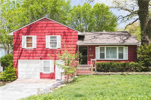 8900 W 70th Terrace, Merriam, KS 66204 (#2105816) :: Team Real Estate