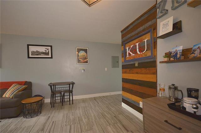 600 E 8TH Street 11T, Kansas City, MO 64106 (#2105823) :: NestWork Homes