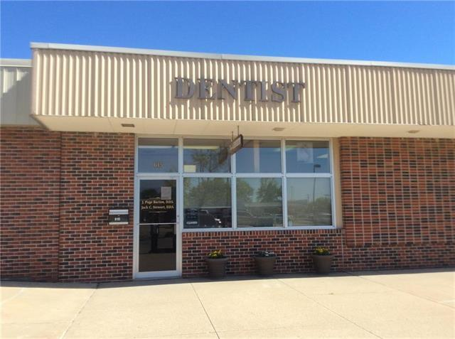 615 Holiday Plaza, Lansing, KS 66043 (#2105988) :: The Shannon Lyon Group - ReeceNichols