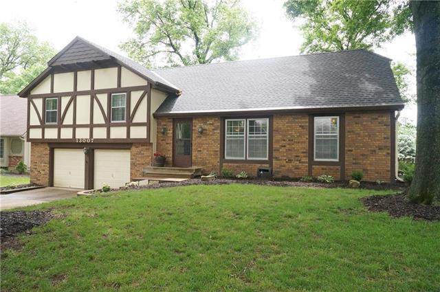 13007 W 78 Terrace, Lenexa, KS 66216 (#2106020) :: Team Real Estate