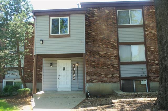 10100 W 96 Street #C, Overland Park, KS 66212 (#2106153) :: Char MacCallum Real Estate Group