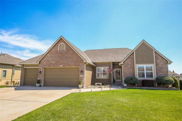 4419 SW Admiral Byrd Drive, Lee's Summit, MO 64082 (#2106269) :: The Shannon Lyon Group - ReeceNichols