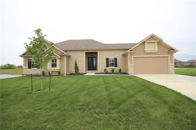 703 SW Eagle Drive, Oak Grove, MO 64075 (#2106302) :: The Shannon Lyon Group - ReeceNichols