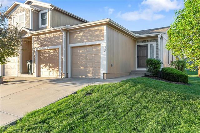 14907 W 64TH Street, Shawnee, KS 66216 (#2106314) :: The Shannon Lyon Group - ReeceNichols