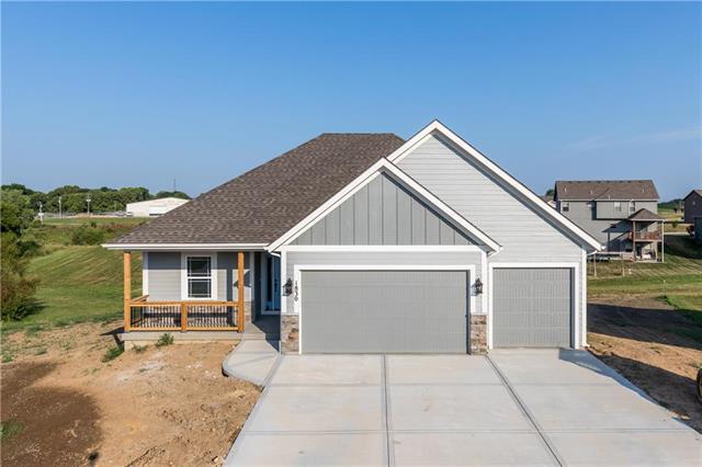 104 Creek Valley Terrace, Smithville, MO 64089 (#2106455) :: NestWork Homes