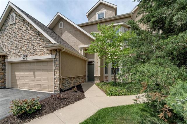 4442 W 159TH Terrace #210, Overland Park, KS 66085 (#2106503) :: HergGroup Kansas City