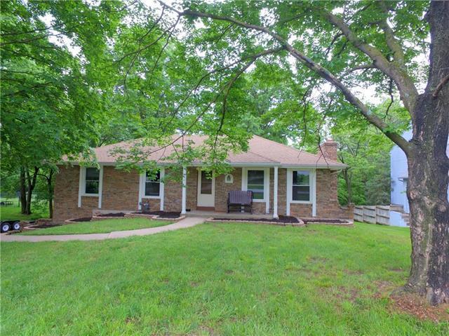 9901 NW 72ND Terrace, Weatherby Lake, MO 64152 (#2106544) :: NestWork Homes