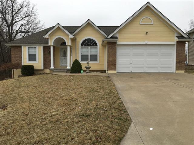 19501 E 11th Terrace, Independence, MO 64056 (#2106624) :: The Shannon Lyon Group - ReeceNichols