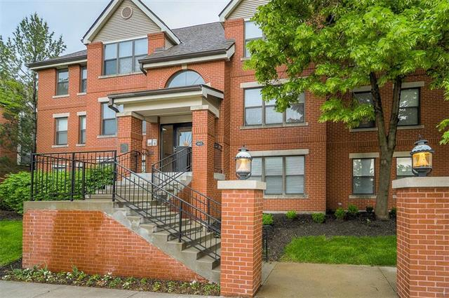 445 W 9th #301 Street #301, Kansas City, MO 64105 (#2106778) :: Char MacCallum Real Estate Group