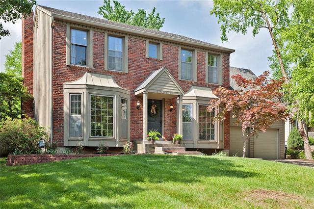 15501 W 89 Place, Lenexa, KS 66219 (#2106876) :: Team Real Estate