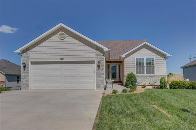 104 Prairie Rose Circle, Smithville, MO 64089 (#2106894) :: The Shannon Lyon Group - ReeceNichols