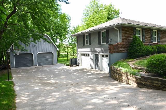 366 NE 51st Road, Warrensburg, MO 64093 (#2106936) :: Char MacCallum Real Estate Group