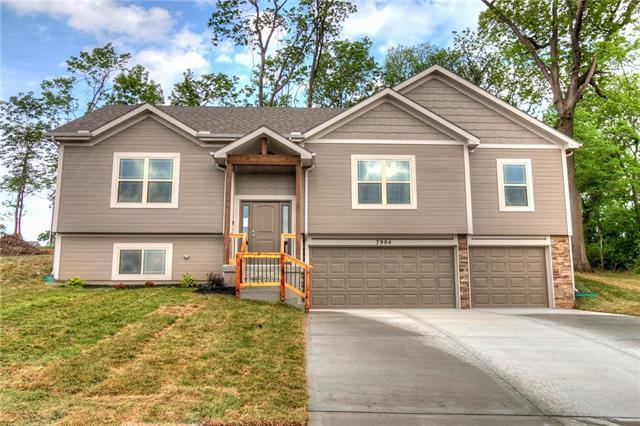 7904 N Askew Avenue, Kansas City, MO 64119 (#2106958) :: Kansas City Homes