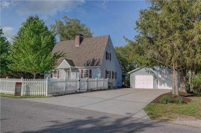 617 Liberty Street, Smithville, MO 64089 (#2107089) :: Kansas City Homes