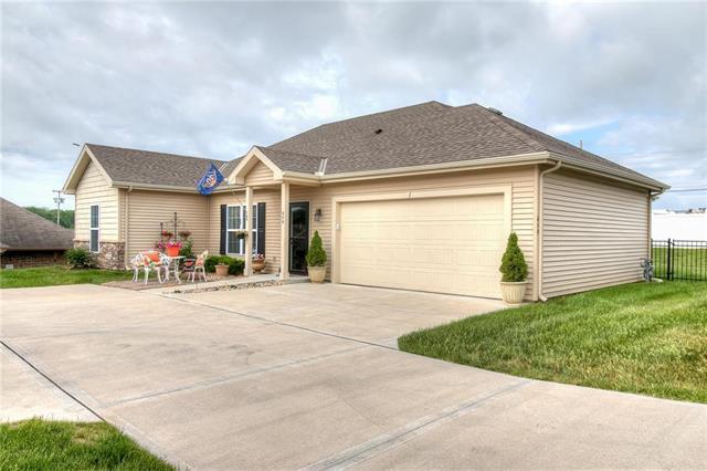 659 NE 66th Street, Gladstone, MO 64118 (#2107111) :: Kansas City Homes
