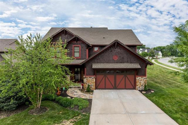6201 NW Heathery Way, Parkville, MO 64152 (#2107186) :: The Gunselman Team