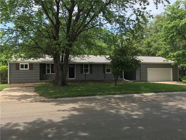828 W Brown Street, Liberty, MO 64068 (#2107609) :: Team Real Estate