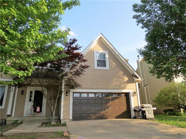 215 West Colleen Court, Gardner, KS 66030 (#2107612) :: Team Real Estate