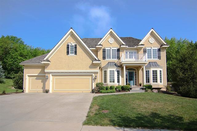 21214 W 81st Place, Lenexa, KS 66220 (#2107679) :: Team Real Estate