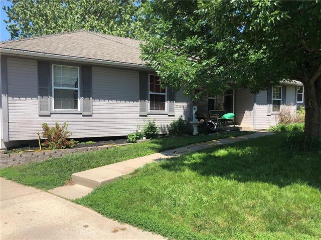 2740 S Coachman Drive, Independence, MO 64055 (#2107747) :: The Shannon Lyon Group - ReeceNichols