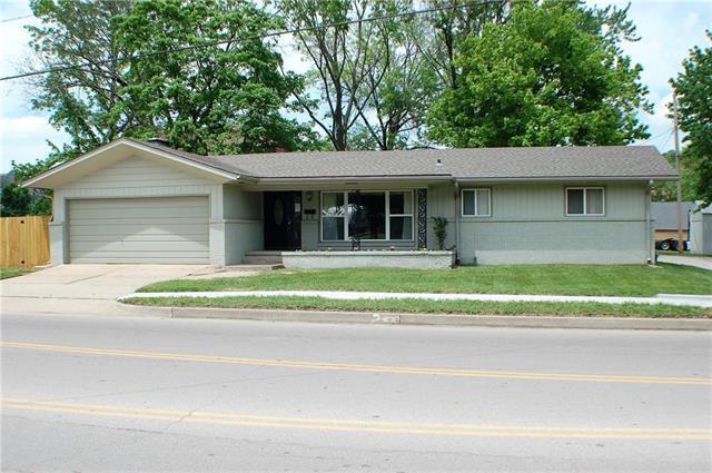 209 E Ohio Street, Clinton, MO 64735 (#2107781) :: The Shannon Lyon Group - ReeceNichols