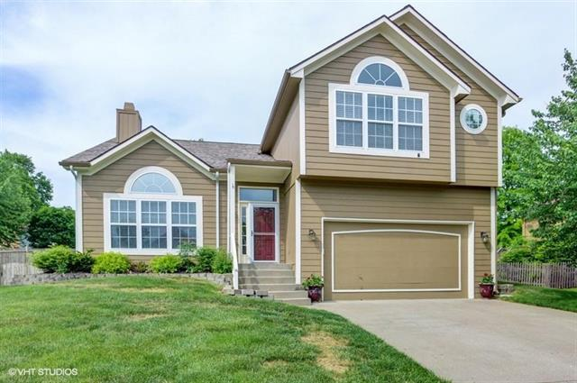 300 Killarney Lane, Smithville, MO 64089 (#2107788) :: Kansas City Homes