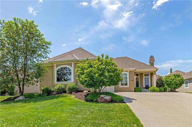 14055 W 117th Street, Olathe, KS 66062 (#2107815) :: Char MacCallum Real Estate Group