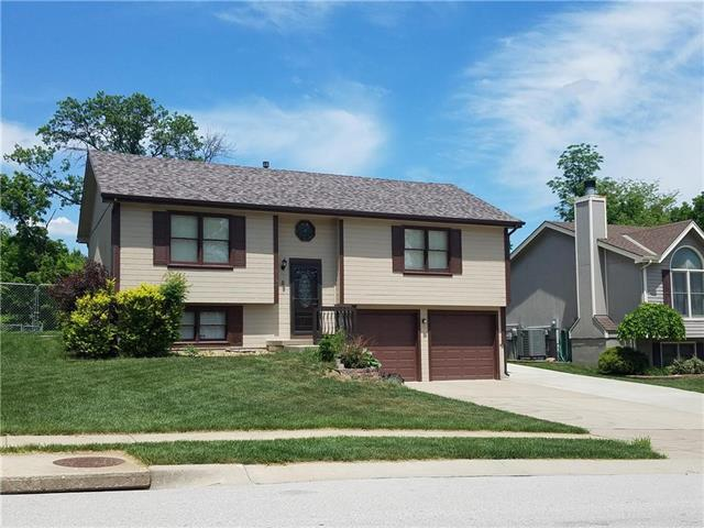 9730 NW 87th Terrace, Kansas City, MO 64153 (#2107890) :: Edie Waters Network
