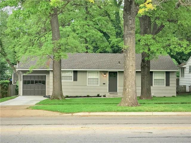 6823 Roe Avenue, Prairie Village, KS 66208 (#2107891) :: The Shannon Lyon Group - ReeceNichols