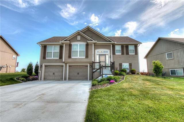 8932 NE Paw Paw Drive, Kansas City, MO 64157 (#2107930) :: Kansas City Homes