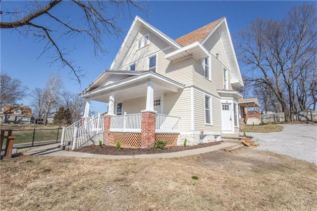 705 S Overton Avenue, Independence, MO 64053 (#2108096) :: Edie Waters Network