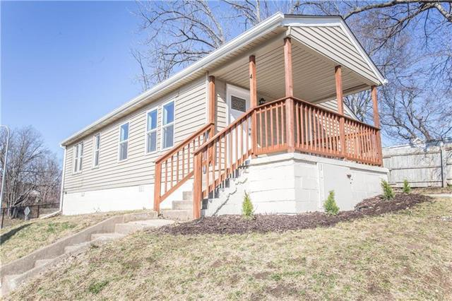 705 S Overton Avenue, Independence, MO 64053 (#2108097) :: Edie Waters Network