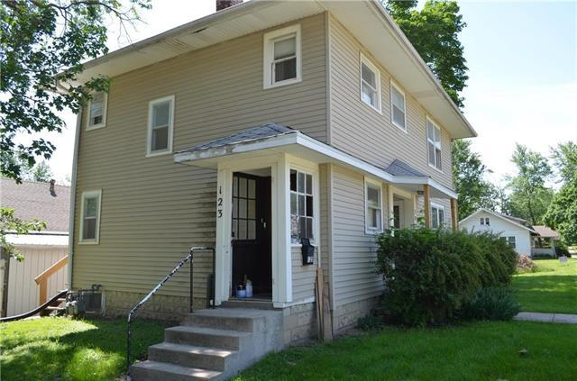 301 S Cherry Street, Cameron, MO 64429 (#2108189) :: Edie Waters Network