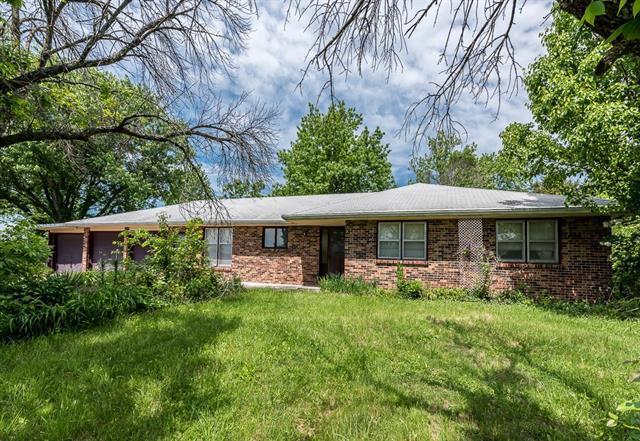 1506 N 142nd Street, Basehor, KS 66007 (#2108205) :: NestWork Homes