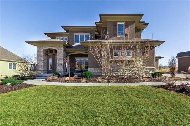 15513 Larsen Street, Overland Park, KS 66221 (#2108370) :: Team Real Estate