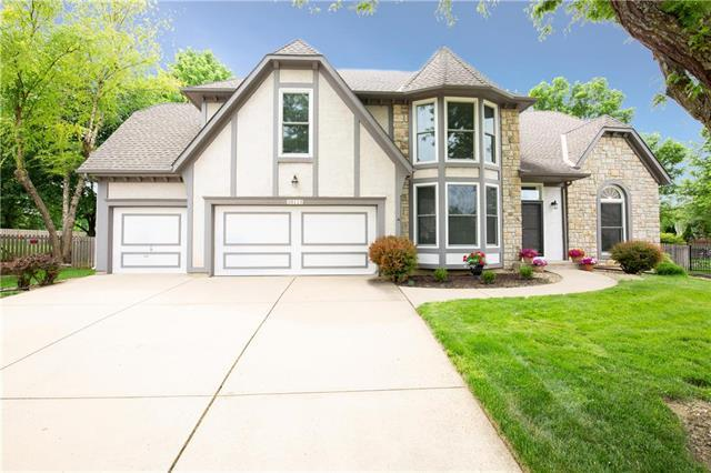 10115 W 126th Street, Overland Park, KS 66213 (#2108380) :: Team Real Estate