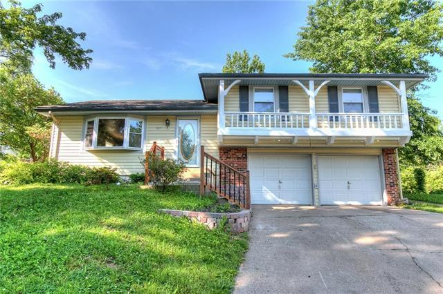 1617 NW 66th Terrace, Kansas City, MO 64118 (#2108387) :: Edie Waters Network