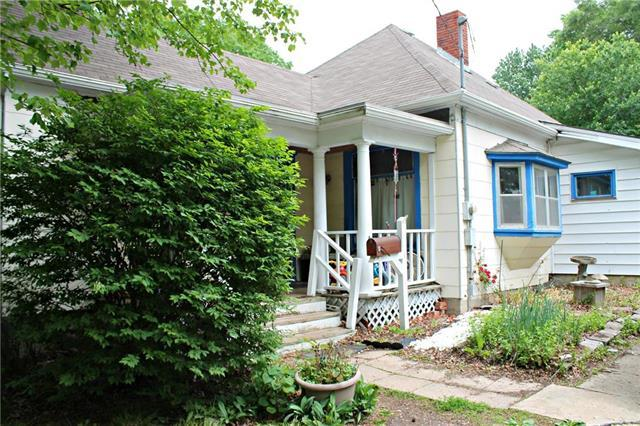 1021 N Liberty Street, Independence, MO 64050 (#2108404) :: Team Real Estate