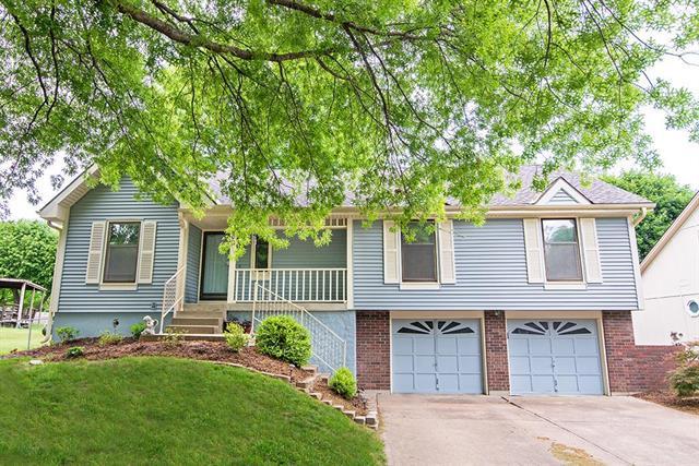708 SE Wingate Street, Lee's Summit, MO 64063 (#2108430) :: Team Real Estate
