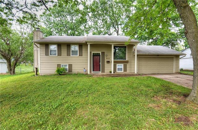 902 Piute Avenue, Independence, MO 64056 (#2108474) :: Team Real Estate
