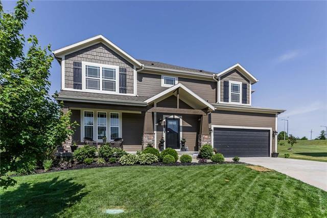 10124 Deer Run Street, Lenexa, KS 66220 (#2108477) :: Team Real Estate