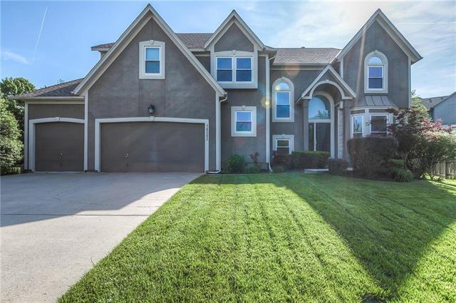14305 Mackey Street, Overland Park, KS 66223 (#2108539) :: Team Real Estate
