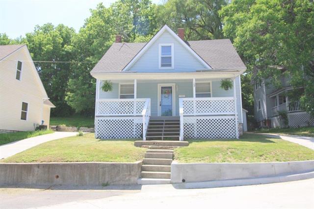 102 S Myrtle Avenue, Excelsior Springs, MO 64024 (#2108543) :: Edie Waters Network