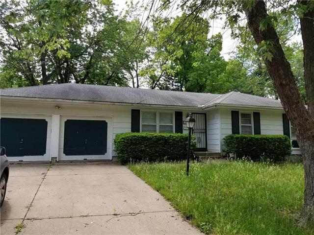 11621 Delmar Drive, Kansas City, MO 64134 (#2108544) :: Edie Waters Network