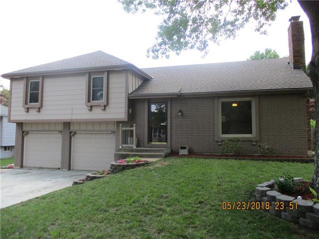 16621 W 144th Terrace, Olathe, KS 66062 (#2108568) :: Edie Waters Network