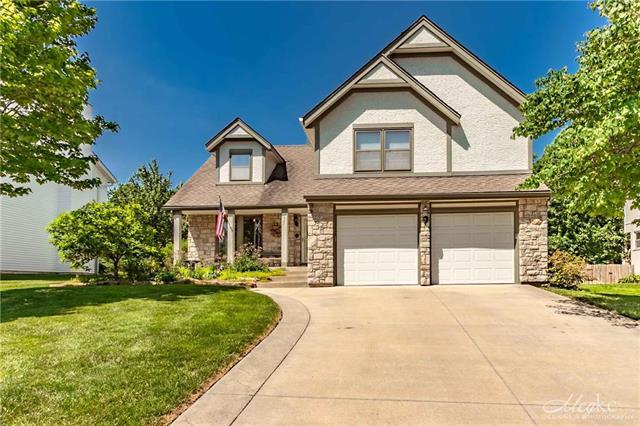 321 N Mesquite Street, Olathe, KS 66061 (#2108571) :: Edie Waters Network